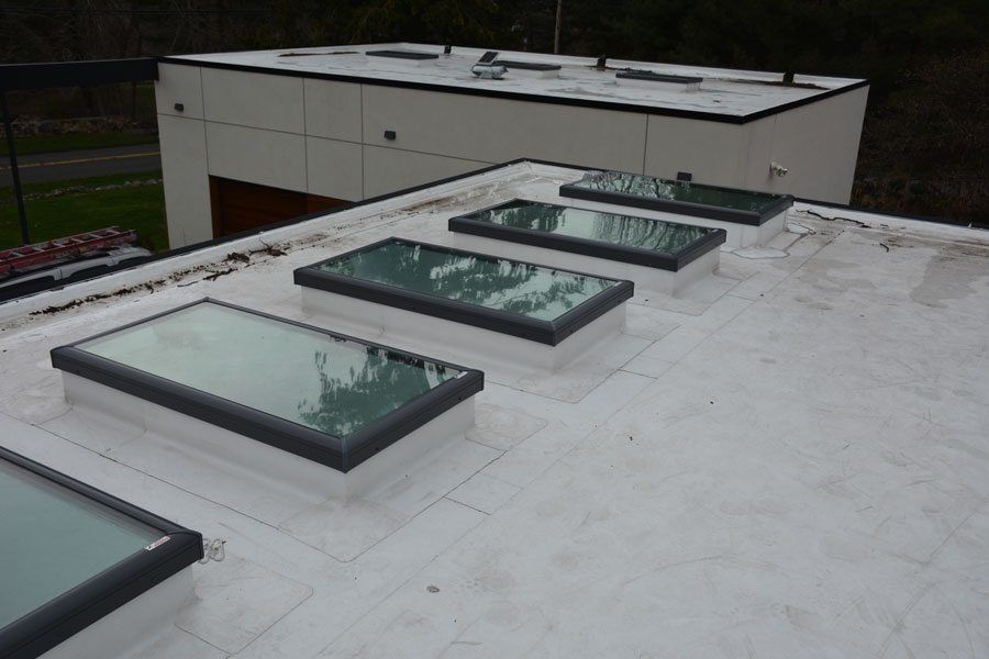 Tpo Roof With Skylights