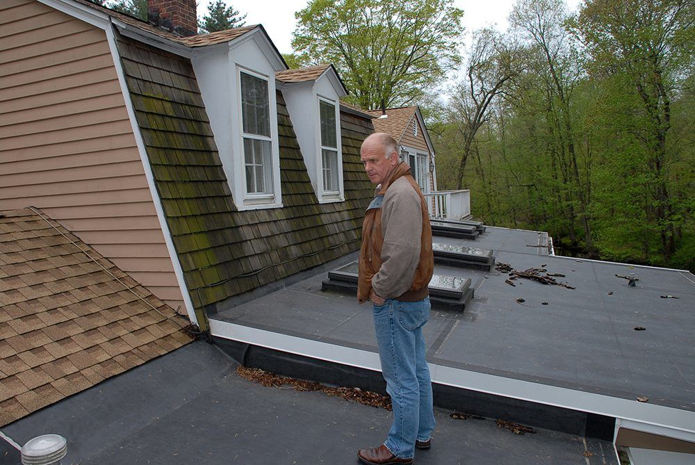 Flat Roof Repairs And EPDM Rubber Flashing   Contractors Avoid Using The  Metal Flashing On EPDM
