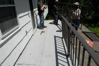 Rubber roof installation flashing - Hard to work in narrow confined areas as in this balcony roof.