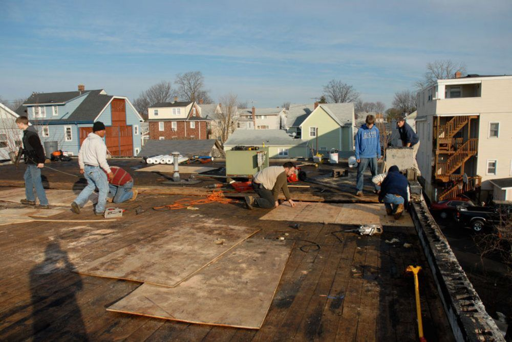 Commercial Roofs are more cost effective than that of a residential roofs to install