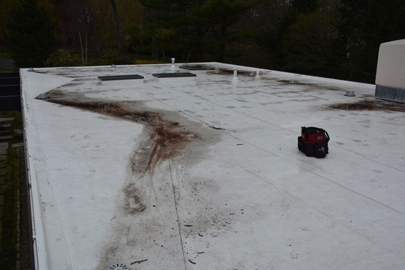 TPO-Roof-Seams separating